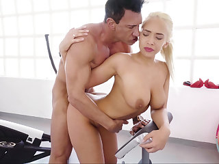 Briana Bounce banged brutally