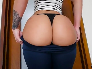 Jada Stevens Brings Her Big Ass To Fuck