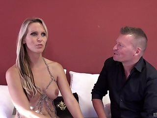MILF Julia Left side gets brutishly pounded unconnected with one lucky dude