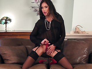 Asian subfusc MILF Beverly masturbates in stockings added to on one's high horse heels