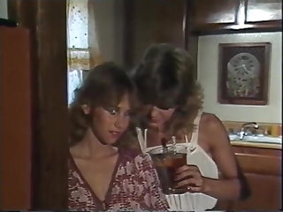 Aerobisex Girls 1983 - Lesbian Peel Sex