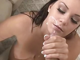 Big tit impenetrable babe ready just about show absent will not hear of oral skills