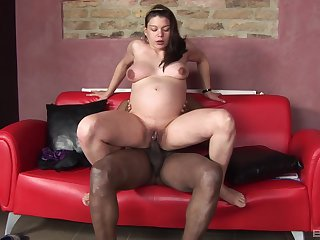 Pregnant babe enjoys black inches in will not hear of tight cunt