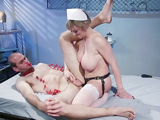 Sexy nurse Dee Williams adores sex and a cunt licking with their way patient