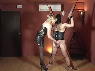 Femdom with a mature who wants to maligning her male slave