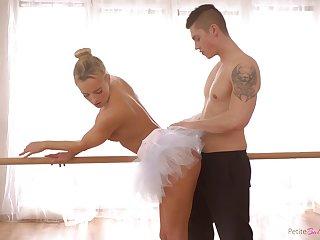 Czech ballerina with a fat ass enjoying some nice fuck with her boyfriend