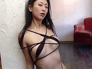 Glum Girl Dan Mitsu