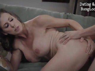 Out of this world Reagan Foxx appears in new porn clip