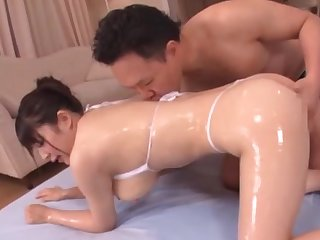 Nude Japanese gets cream on heart of hearts after a nasty fuck