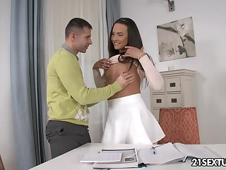 Pretty student Nataly Gold allows to penetrate her tight ass hole