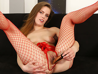 Paulina Shy in Easy Access at PuffyNetwork